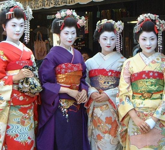 geisha china tallada en marfíl tocando un instr -
